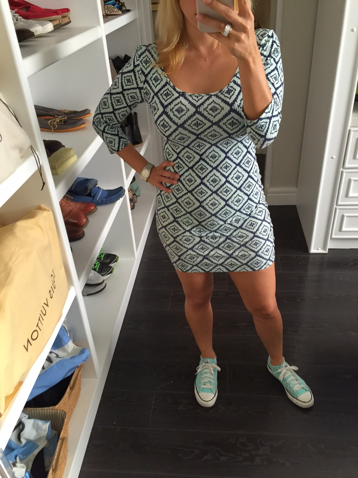 e19da55881 Vestido  Charlotte Russe Tenis  Converse Cardigan  Zara